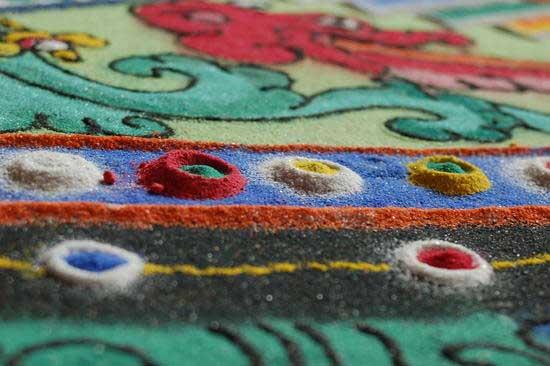 sand-mandala-closeup